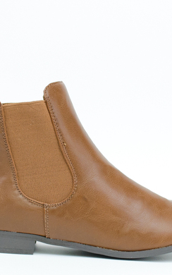 Ambra Chelsea Boots at http://www.ikrush.com