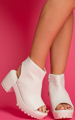 Avery Heeled Ankle Boots