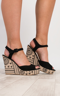 Rilo Embroidered Wedges