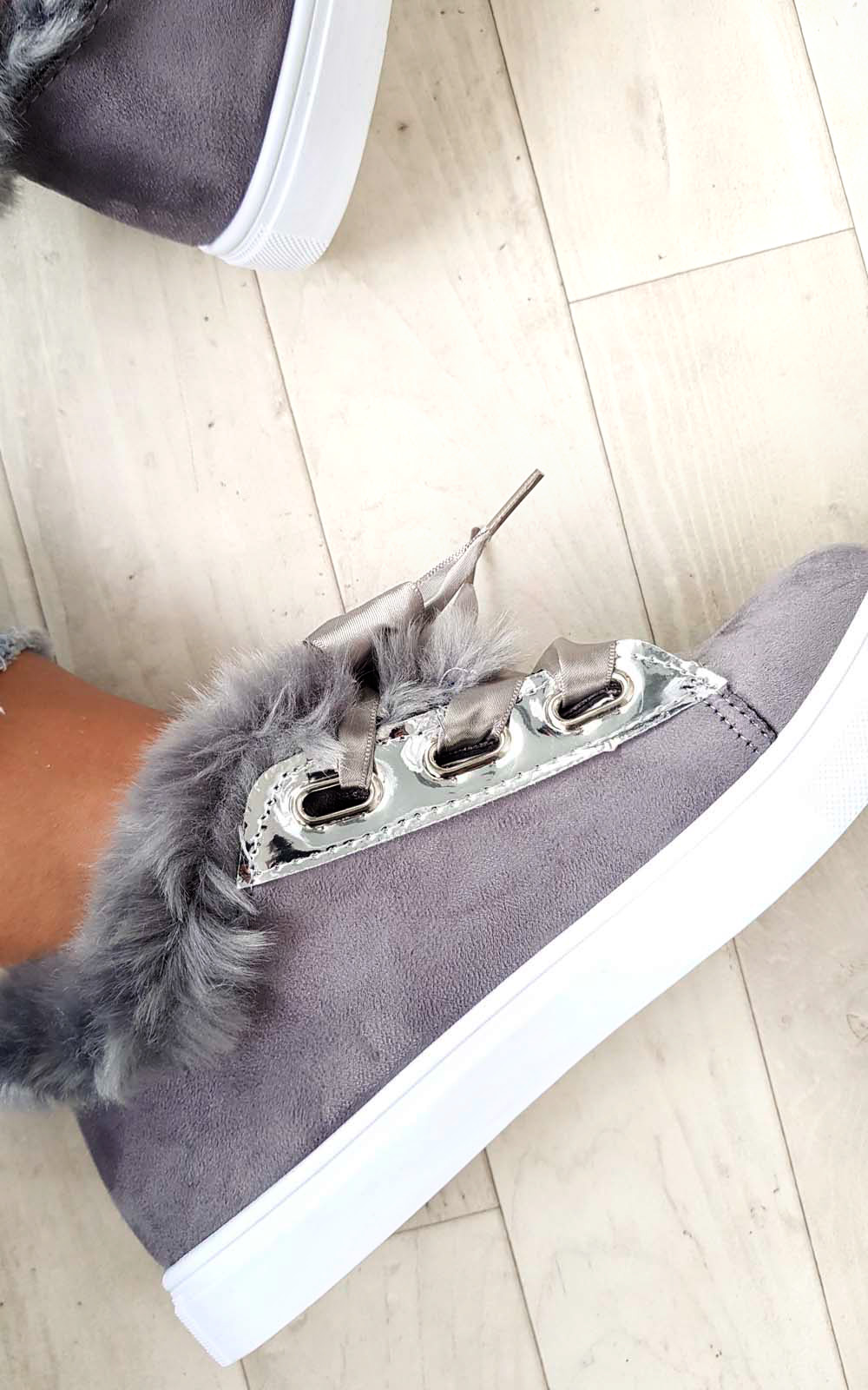 Ikrush Zapatillas para mujer Shyla Imitación Gamuza Suave y Esponjosa