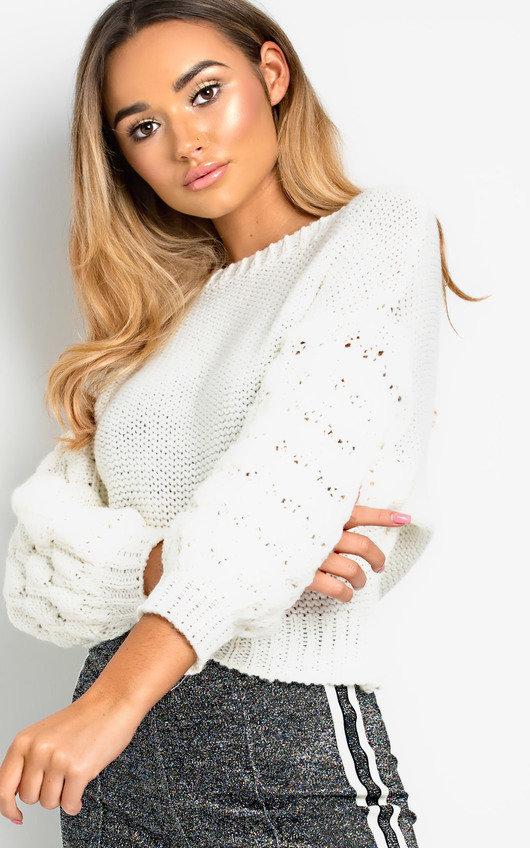9d4ea77afcb5 Everli Chunky Knitted Jumper in White