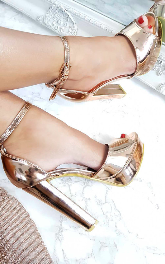 Kirti Peep Toe Block High Heels In Rose Gold Ikrush