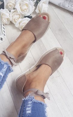 View the Kiaya Strappy Wedge Sandals online at iKrush