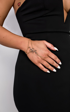 View the Nabila Leaf Finger Chain online at iKrush