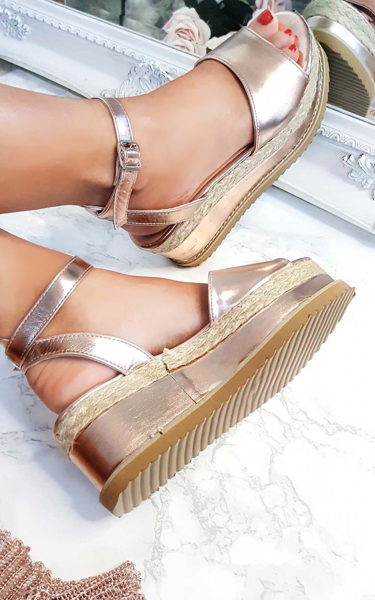 db2d9479b5d IKRUSH Women s Ava Flatform Sandals Size in ROSE GOLD Size 7