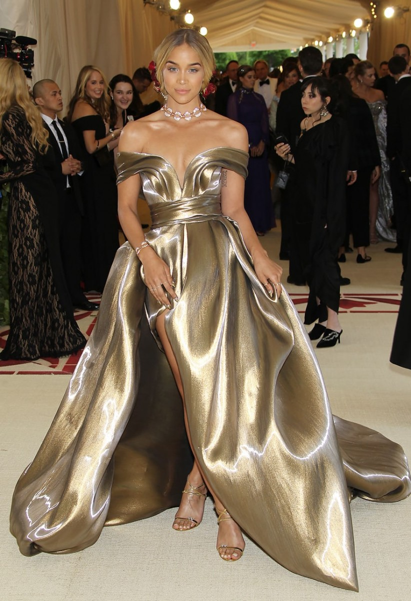 Golden barbie Met Gala