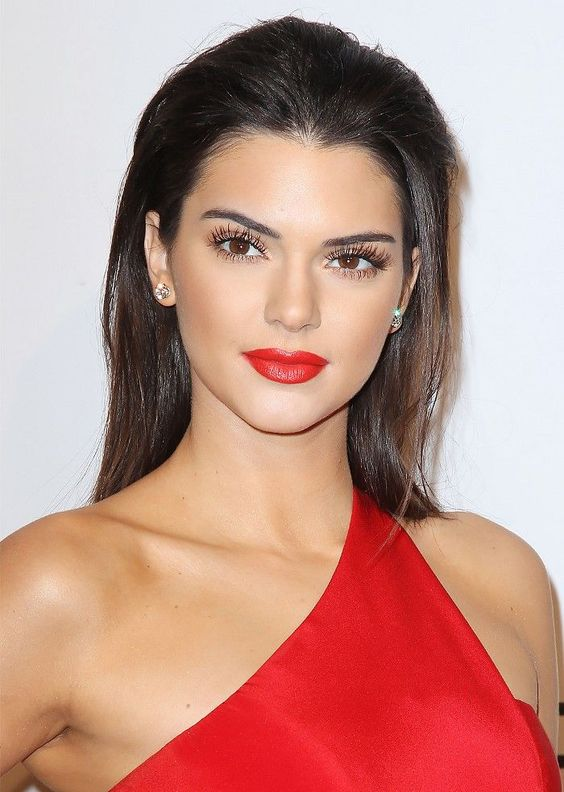 Red lip Kendall